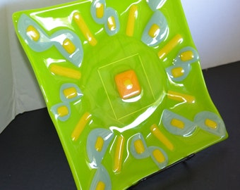 "Hand made Fused glass art plate, Spring Green with Celadon Green and Yellow accents ""Green Sun"""