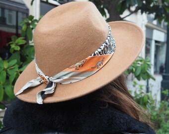 Hat Camel Beige Volutes - silk scarf