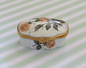 Porcelain box with orange roses