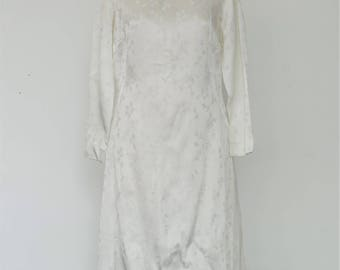 """A Vintage Dress - """"Cate."""" 1960's Vintage Full Length Bridal Gown."""
