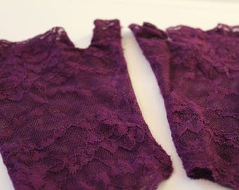 PAIR Purple Lace Fingerless Gloves