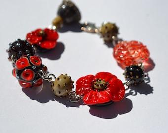 Lampwork bracelet lampwork bead handmade poppy jewelry black red bead bracelet blossom bracelet dot bead floral chain bracelet silver