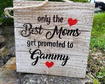 Pallet Sign*Mom to Gammy*Vinyl design*6in x 6in