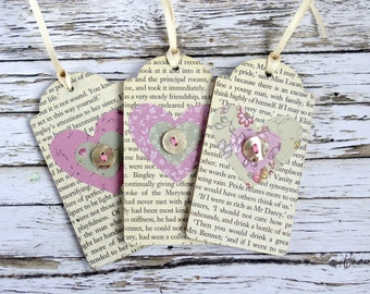 Reader/book lover gift: wood gift tags/ornaments with hearts. Jane Austen Pride and Prejudice book page/text. Mothers Day gift pink/green