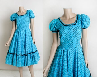 Vintage 1950s Dress - Square Dance Rockabilly Floral Cotton Dress - Bright Sky Blue and Black Full Circle Skirt Puff Sleeves - Medium Small