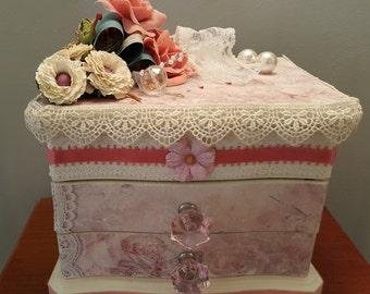 Shabby Chic Decorated Pink, box, shabby decor, box, jewelry box, pink glass knobs, gift box