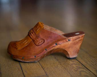 Vintage 70s Brown Leather Wooden Clogs Heels Boho- Size 7.5