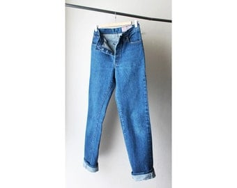 SALE - 1970s Levi's 501 Shrink to Fit Dark Wash Denim Jeans USA