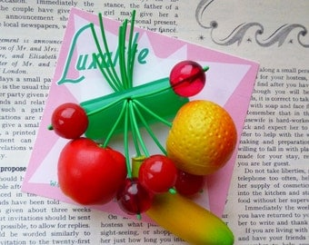 Fruity fruit salad! Handmade 40s 50s Bakelite fakelite style novelty fruit salad brooch by Luxulite