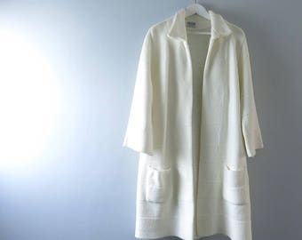 1960s British Vogue Ivory Sweater Coat L/XL