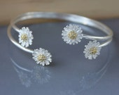 Bangles Cuff flower bracelet, personalized bracelet, Daisy flower bracelet, delicate bracelet , dainty bracelet, silver bracelet, cuff