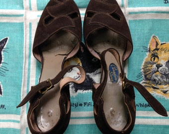 Vintage 1940's brown suede sandals peep toe 6AA Paradise Shoes