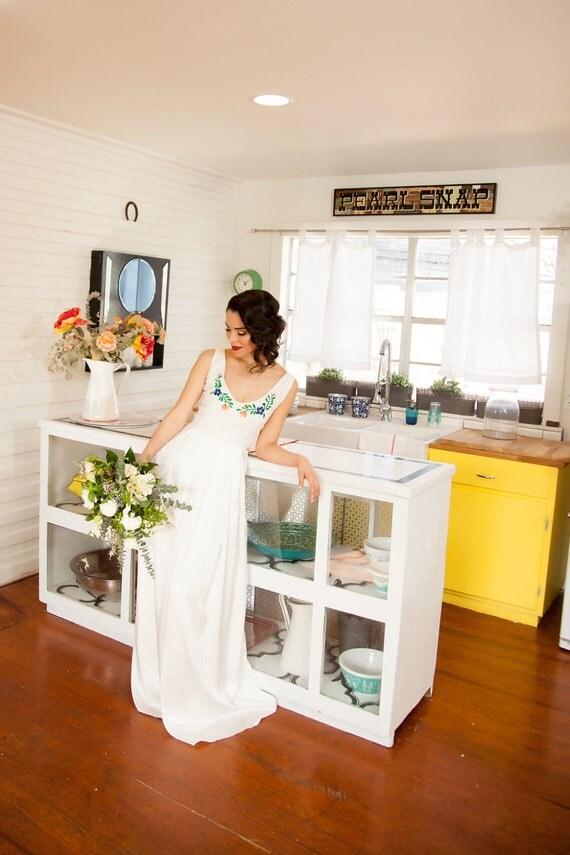 Jazmin, Floral V-neck embroidered boho wedding dress
