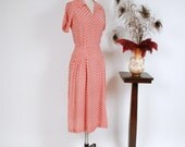 Vintage 1940s Dress - Red and White Cold Rayon 40s Day Dress in Houndstooth Geometric Print with Draped Hips