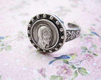 Antique saint ring, Antique holy medal ring, Antique catholic ring, Antique Holy Mary ring, Antique silver Holy Mary ring