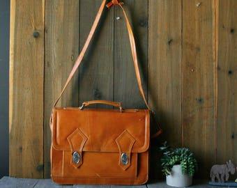 Light Tan Briefcase Portfolio Messenger Bag Expandable 1980s Vintage From Nowvintage on Etsy