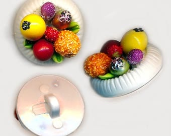 Button--ONE Small Modern Sugared Plastic Fruit Basket