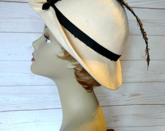 White Hat with Black Feather - Off White Felt Hat - Black Feather Hat - Black Plume Hat - Cream Felt Hat - Dramatic Feather Hat - 1960s Hat