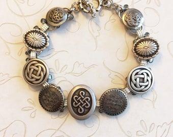 Celtic oval button bracelet