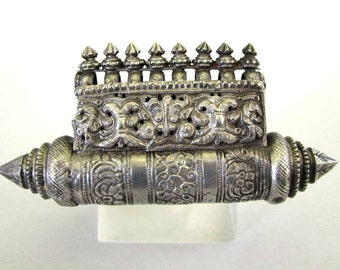"Antique South Indian Prayer Box, South Indian Taviz , Karnataka, High Grade Silver, RARE, Ethnic Tribal, Length: 12.5cm  (4 3/4""), 106 Grams"