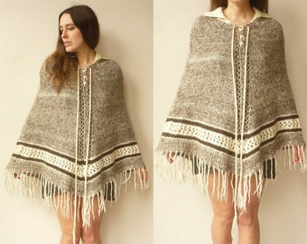 1970's Vintage Peruvian Knitted Cape Tassel Fringed Poncho One Size