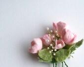 Felt brooch pink flowers - Handmade- Felt brooch- Wool brooch - Pink brooch- Floral accessories