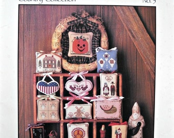 Wreath for All Seasons Country Collection Cross Stitch Leaflet No. 3, by Fanci That, Vintage 1986