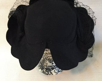 1940's Austelle Black Felt Hat Scalloped Edges Black Netting