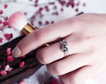 Stackable Rose Ring Set, Victorian Rose Rings, Delicate Jewelry, Romantic Ring, Promise, Gift For Her, Floral Jewelry, Infinity Band Ring