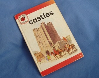 Castles - Vintage Ladybird Leaders Book Series 737 - Matt Covers - 1974 edition - 18p - Tally 350