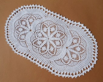 "Crochet table runner, oval crochet doily, white crochet doily, lace tablecloth, 19"" X  10"""