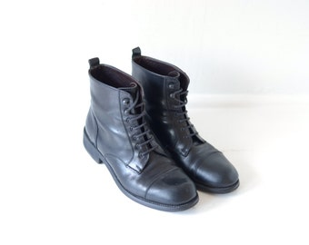 Vintage Bally Black Leather Cap Toe Ankle Boots, Made in Italy, Womens EUR 37 1/2, US 6 / ITEM117