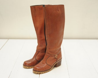 Vintage Thom McAnn Tall Brown Leather Campus Boots, Womens 7  / ITEM354