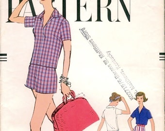 Neat Vintage 1950s Vogue 9480 Very Easy Pullover Shirt Top and Shorts in Two Lengths Sewing Pattern B36 W28