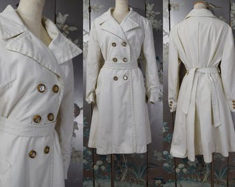 Vintage 1950s White TRENCH coat with buttons and belt