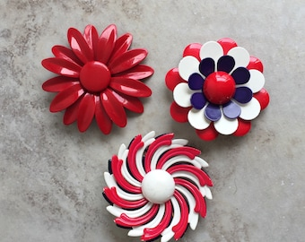 Vintage 60's Flower Pins / Red White & Blue Metal Brooch