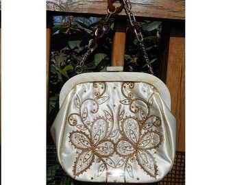 1950s Plastic Covered White PURSE w/ Rhinestones Gold Trim Embroidered, Celluloid Top, Chain w/ glass & Bakelite Links.65 Years Old  39.90