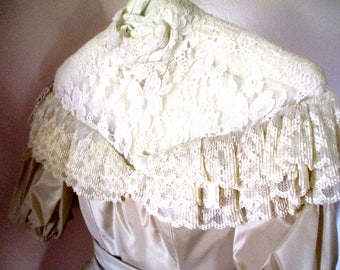 Wedding gown  Vintage gown White gown sz 6