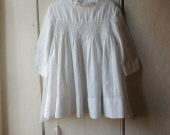1960s White Cotton Dress Smocking Bow Collar Buttoned Easter Girls 12-18mos Toddler Country