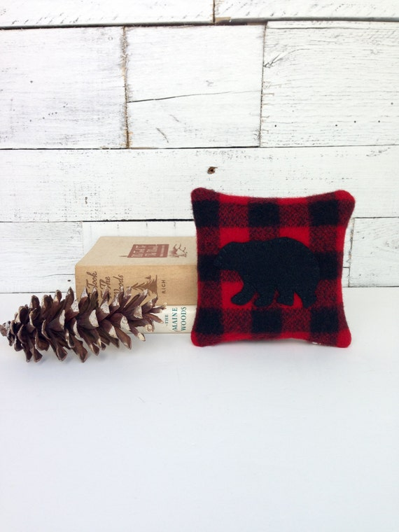 Black bear decor balsam pillow rustic home decor buffalo for Rustic bear home decor