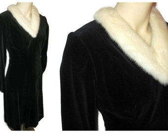 Vintage 1950s Dress Black Velvet White Mink Fur Collar Full Skirt Rockabilly Dress M 38 chest