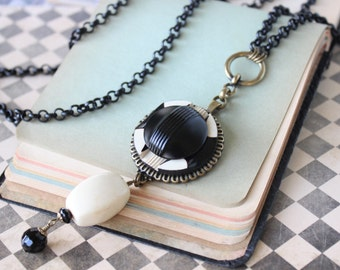 Art Deco Jewelry, Deco Necklace Long, Black Chain Necklace Toggle, Black and Cream, Vintage Button Necklace, Button Jewelry by veryDonna