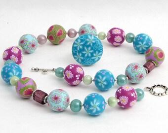 Handgefertigte Kette aus Polymer Clay Art  und Glasperlen, Millefiori, große Perlen, Fimo