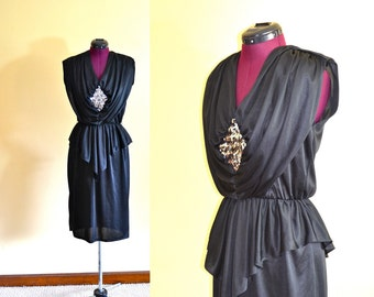 1970s Vintage Diamond's Run Black and Silver Sequin Cocktail Dress size 13 14 (M) bust 36
