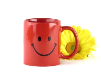 Retro Smiley Face Coffee Cup - Mug - Red Smile Face Happy Day Drinkware