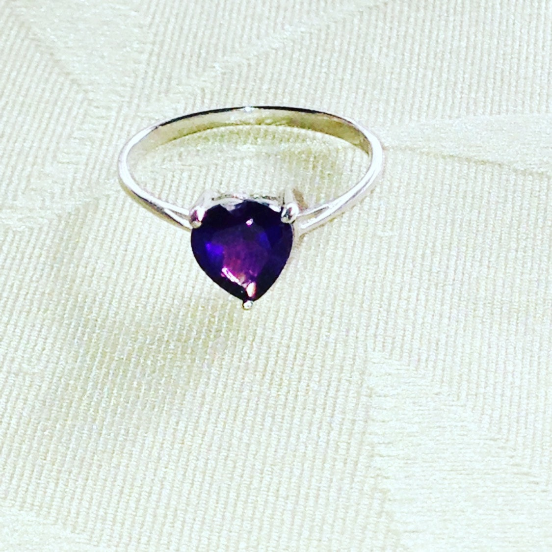 amethyst purple heart ring solitaire february birthstone. Black Bedroom Furniture Sets. Home Design Ideas