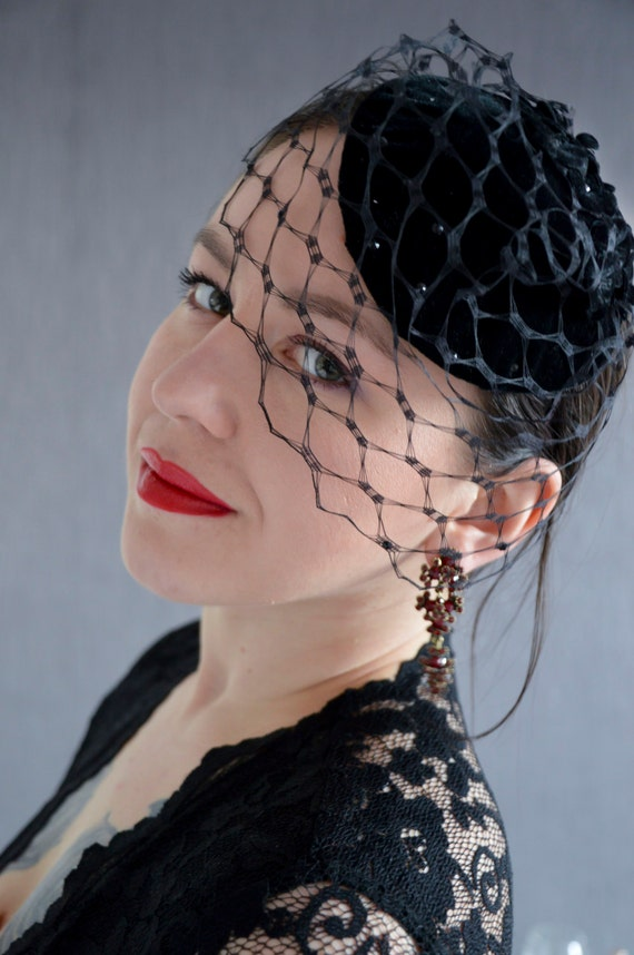 Black Birdcage Veil - Black Hat Fascinator - Fascinator Headband - Pin Up Style Accessories - Vintage Hair Accessories -