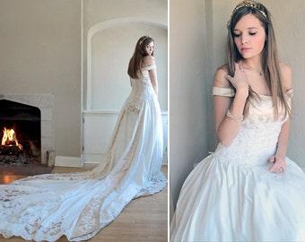 "TRADITIONAL Wedding Dress ""Demetrio"" Vintage Ladies Satin VICTORIAN LACE Romantic Train cap-off shoulder sleeves Bridal Formal Gowns Size 10"