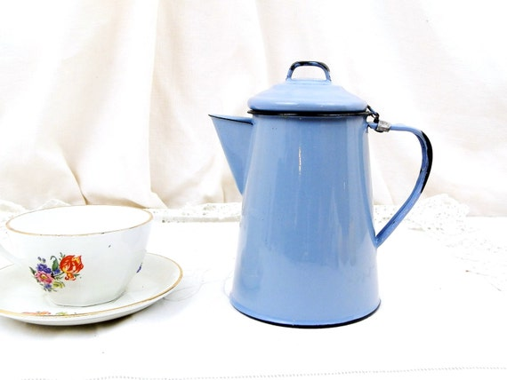 Vintage French Pale Blue Enamelware Cafetière Excellent Condition, Enamel Metal Coffee Pot Sky Blue from France, Country Cottage Decor