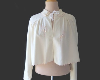 White Viyella Bedjacket with Appliques and Pink Embroidery - 1950s